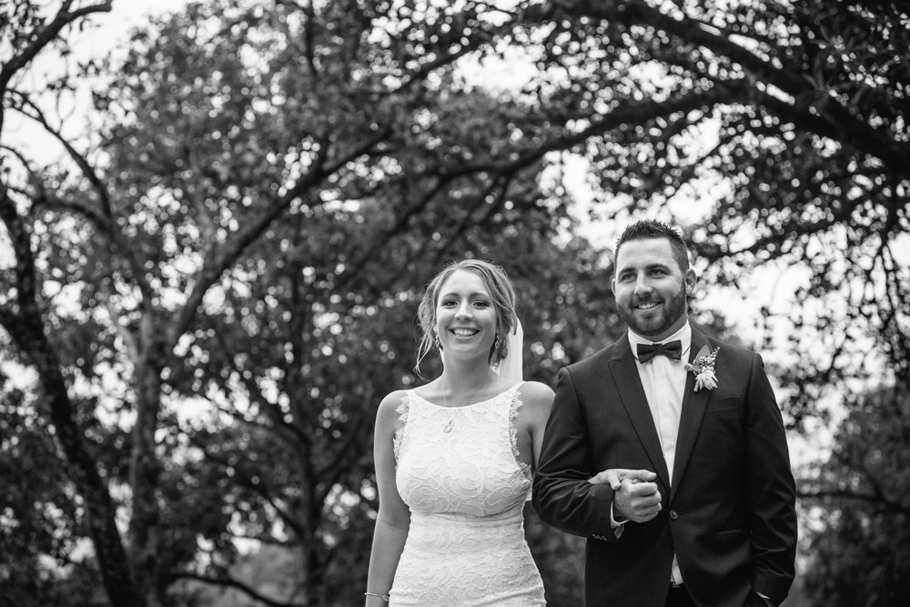Elouise & Chris's rainy country wedding